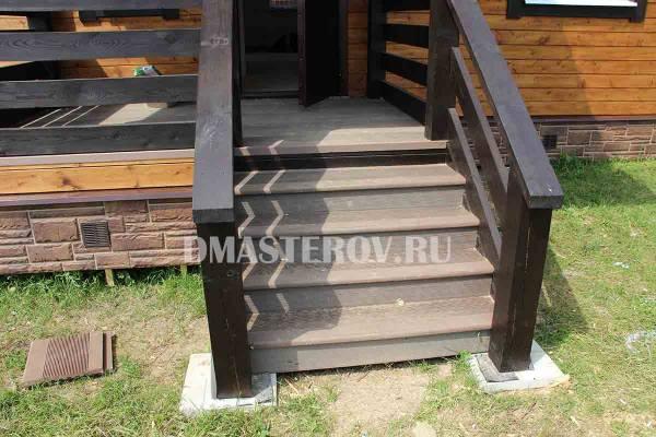 Установка композитных ступеней на лестнице