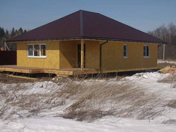 Строительство и отделка каркасного дома зимой