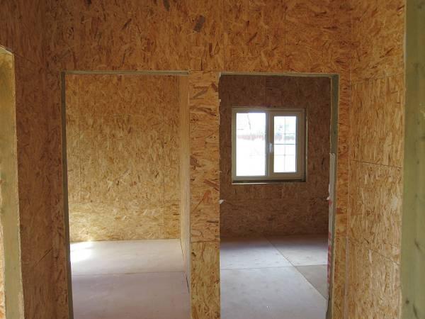 Внутренняя отделка стен  ОСП в доме 6х8.
