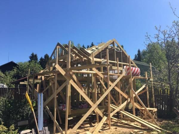 Вид на строительство одноэтажного дома.