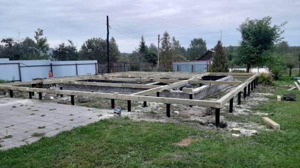 Строительство осуществлялось на готовом фундаменте