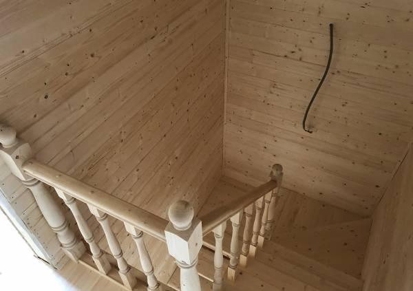 чистовая межэтажная лестница