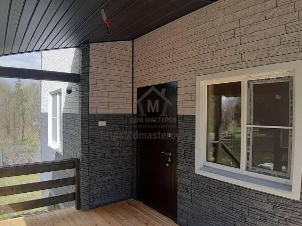 Установлена утепленная металлическая дверь производства Росс
